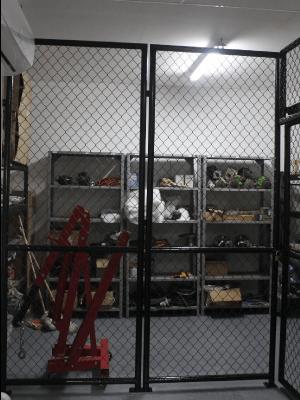 Cerramiento malla eslabonada almacén